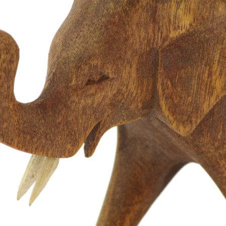 Holzfigur Elefant Suarholz Nahaufnahme Detail